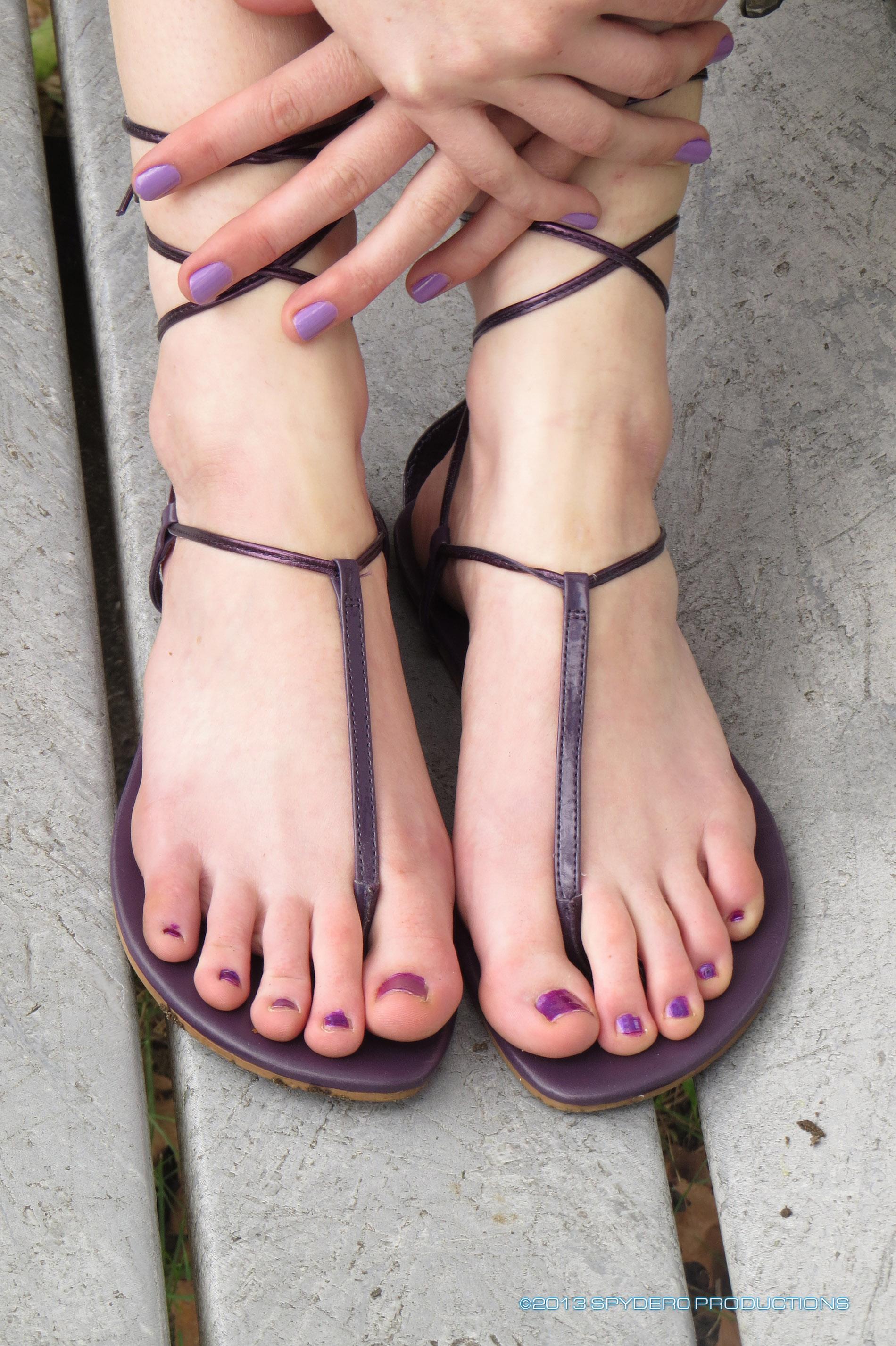 Free sexy sandals porn pics